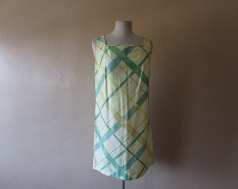 60s plaid print square mod style sleeveless yellow and green print shift retro vintage 1960s kitsch hipster day dress large L women classy