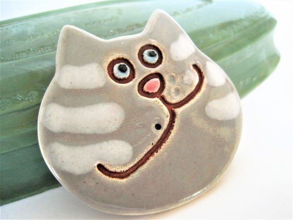 Kitty Cat Pin, Smiling Cheshire Cat, Collectible Ceramic Brooch