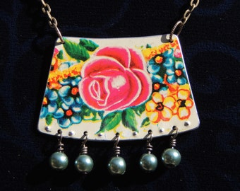 tin necklace, recycled tin, tin jewelry, printed tin, flowers, rose, blue pearls, wire wrapped, tea tin, biscuit tin, vintage tin, repurpose
