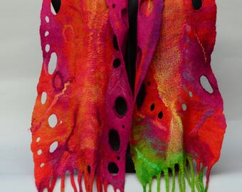 Felted scarf in merino wool, handcrafted, fringed ends