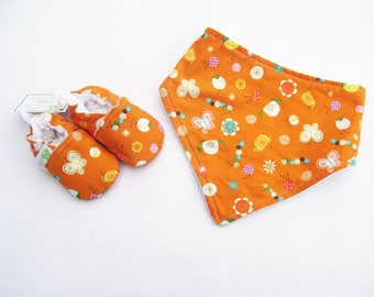 SALE SMALL Bugs and Flowers / Soft Sole Shoes and Bandana Bib / Baby Gift Ready to Ship
