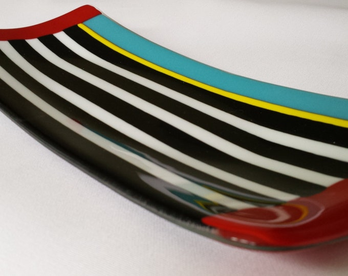Black, white and red (almost) all over. Fused glass tray or platter.
