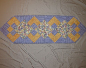Lilly And Hummingbird Print Table Runner