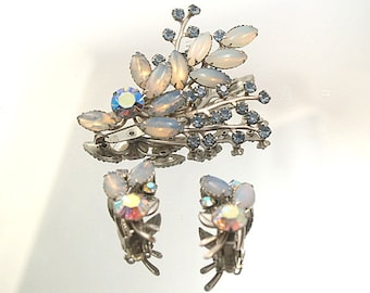 Pretty Light Blues Demi Parure Vintage Rhinestone Moonstone Brooch Set Prong Set Stones Flower Broach Wedding Bridal Formal