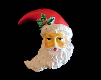 Vintage Christmas Santa Pin/Brooch with Holly Leaves & Berries on His Hat - Vintage Christmas Jewelry, Santa Claus Pin