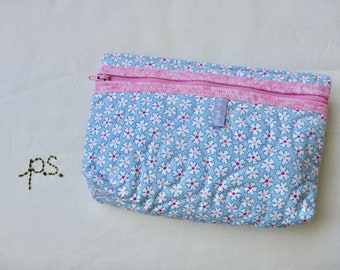 Quilted Daisies Pouch - Sweet Daisies Cosmetics Case