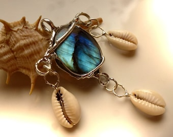 Pendant with Labradorite and cowries, 62 mm, unique, pendant labradorite cowrie shell-Silver pendant cowry shells