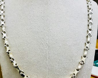 Stunning very heavy 34 inch sterling silver necklace - 168gms