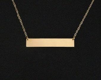 Celebrity Nameplate Necklace in 14kt Gold