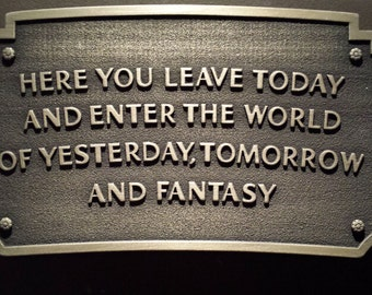 Plaque d'entrée Disneyland
