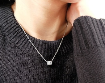 cz square necklace, geometric necklace, dainty necklace, geometric jewelry, everyday necklace, square jewelry, square pendant