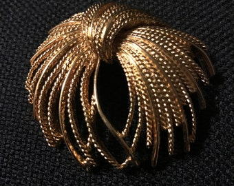 Monet Large Gold Tone Textured Wire Ribbon 1970