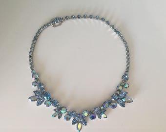 Beautiful vintage WEISS BLUE AB Aurora Borealis Rhinestone necklace choker silver-tone