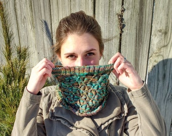 Every Which  Way But Up Cowl - Digital Pattern Download