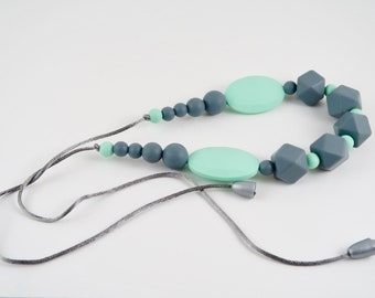 Teething necklase for mom to wear by Stilnati