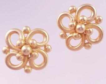Designer Signed Erwin Pearl Clip On Earrings,Brushed Gold Earrings, Swirl Dot Design, Modified Infinity Symbol