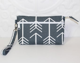 Cell Phone Wristlet Purse Wallet Clutch / Moto X Samsung Galaxy iPhone 6 Wristlet Clutch Wallet Purse / Large Arrows on Gray Canvas