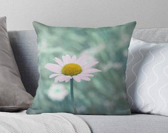 green pillow cover, flower pillow, green cushion cover, green home decor, shabby decor, natural home decor, flower cushion, daisy, mint