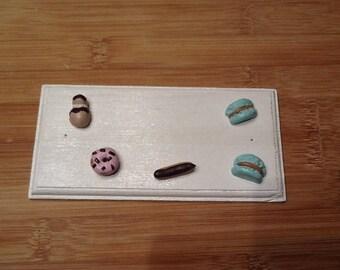 Treats for personalize kitchen door plaque