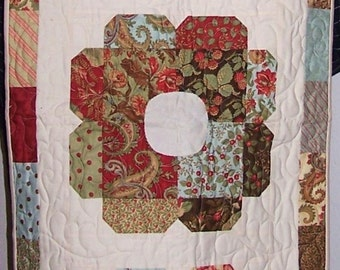 Floral Charm Table Runner Quilt - 20 x 50 - Quilted Scarf Cloth tablerunner