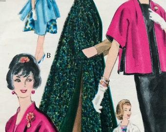Gorgeous Vintage Stole Coat in Three Lengths---Vogue 5345---Size Medium (14-16)  Bust 34-36  UNCUT