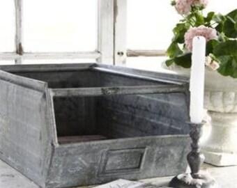 Jeanne d' Arc Living Vintage Zinc Box