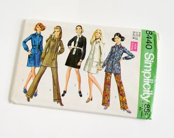 """Vintage 1960s Womens Size 12 Mod Dress or Tunic and Pants Simplicity #8440 Sewing Pattern FACTORY Folds b34 w25.5"""""""