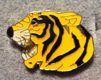 1960s-70s Ringling Bros Barnum Bailey Circus Pin YELLOW TIGER Head