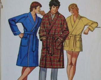 Simplicity 6381 Men's Vintage Retired Robe  Sewing Pattern Size 38-40