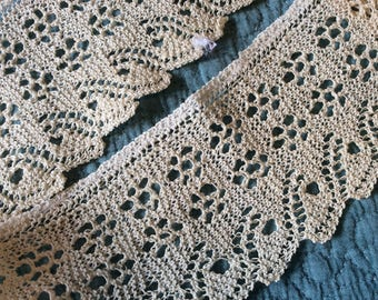 Crochet lace trim in off white