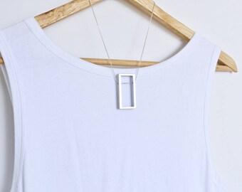 Série de l'Architecture en aluminium collier Bijoux minimaliste contemporain fenêtre ouverte