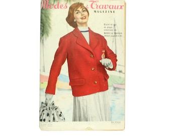 Modes & Travaux, Vintage French fashion magazine,  1957 summer fashion news
