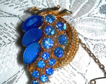 Blue grape , brooch, vintage, cat eyes stones, gold tone