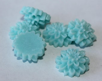 10 MEDIUM MUM Cabochons - 16mm - Baby Blue Color - pastel cabs, earring finding, light blue flower, chrysanthemum dahlia resin plastic round