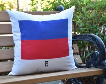 E Letter Simple Outline 16 inch Red Decorative Geometric Throw Outdoor Pillow