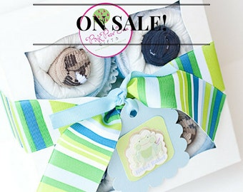 New Baby Shower Gift Set - Onesie Cupcakes (Boy)