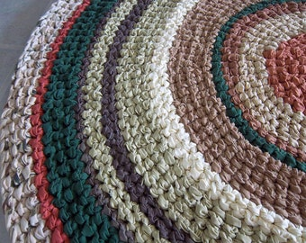 Old Fashioned Round 4' Crocheted Rag Rug