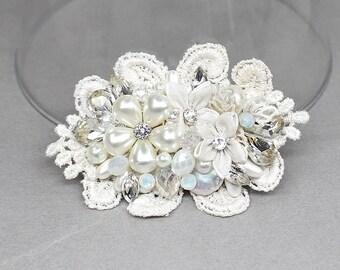 Bridal Hairpiece- Petite Hair Comb- Bridal Hair Accessories- Wedding Hair Accessory- Pearl Bridal Comb- Wedding Hairpiece- Ivory Bridal Comb