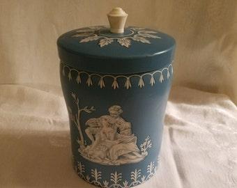 Vintage  1950's English Wedgwood Toffee / Biscuit Tin