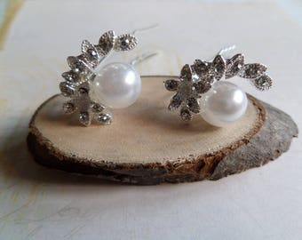 2 Pearl and rhinestone flower for occasion hair clips