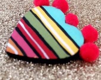 Mini Serape Corazon Pin