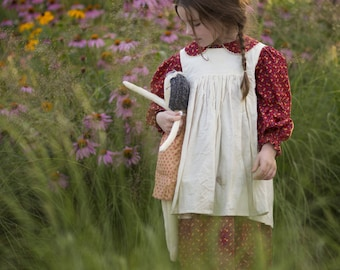Pioneer Dress with Pinafore and Bonnet Sizes 2-8 Laura Ingalls Wilder historical prairie Little House
