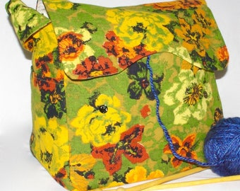 Green,Flowers, Knitting Bag, Snag-Free, Zipper-less, Yarn Dispenser, Pro-knitter bag, handbag, yarn storage, crocheting tote, Knit on the go