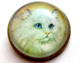 """Long haired  white CAT  button, Domed studio glass button. 3/4"""", 22mm. handmade. Vintage style. Persian."""