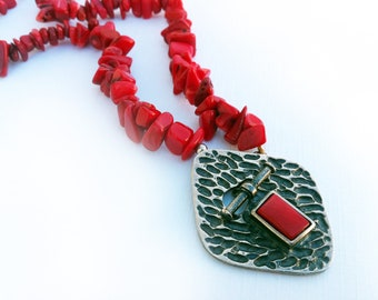 Coral Necklace,Gift for Her, HOLIDAY RED Necklace,Hammered 925 Sterling Silver pendant, Toggle lock Pendant necklace