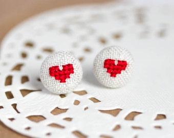 Heart earrings - Stud earrings - Valentine jewelry - e027
