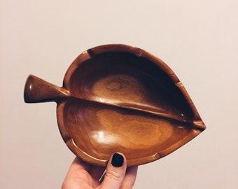 Vintage Wooden Leaf Catchall Bowl