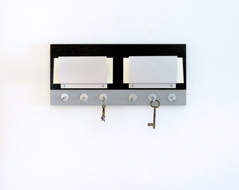 WALL MAIL HOLDER: Couples Wall Mount Mail Organizer, Modern Metal Mail Slots with Two Tone Color Detailed with Hooks for Home or Office.