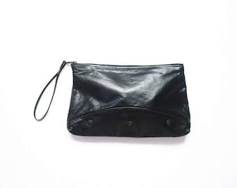 Black Leather Clutch 1980s Handbag 80s Evening Bag Cocktail Purse Wristlet Bag Minimalist Tony Wrist Strap Party Purse Pouch