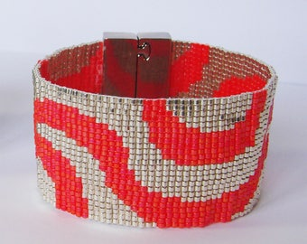 Wide silver wave Bracelet and coral - Miyuki glass beads